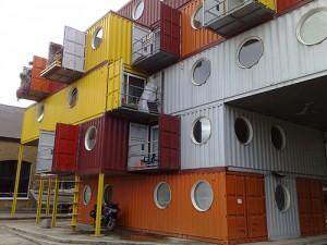Stort containerhus